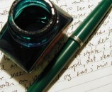 750795_green_fountain_pen_and_ink_bottle